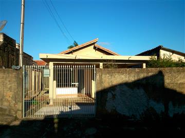 Casas Desocupadas no bairro Jardim Cruzeiro na cidade de Capão Bonito
