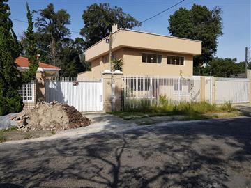 localizado Á Rua Bologna  Casas R$1.350.000,00