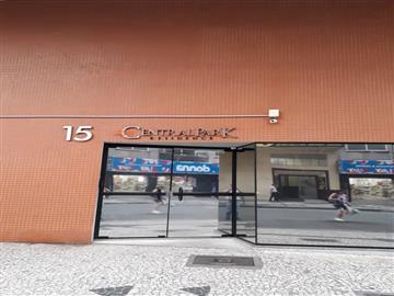 localizado Á Av. Vicente Machado, 15 - Centro Apartamentos R$1.500,00