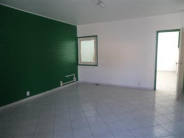 Casas Comerciais Anhangabau R$ 4.000,00