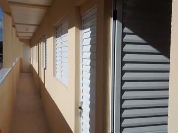 R$ 1.300,00 Vila Jaragua Apartamentos