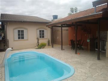 Casas Alto Padrão Casa com Piscina no Jardim Santa Maria! R$ 690.000,00