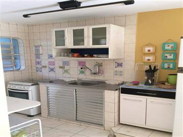 Casas em Condomínio Sobrado em condominio fechado em Ubatuba, na praia Perequê-Açu, confortavel e com segurança R$ 220.000,00