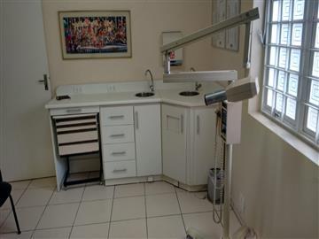Salas Comerciais Sala para dentista em uma clinica dentaria no centro, com ligação de agua e compressor R$ 1.000,00