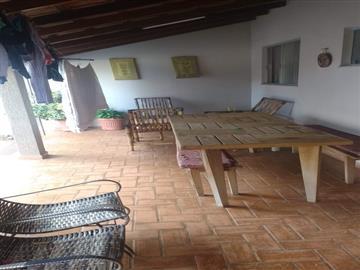 Casas  Ourinhos R$380.000,00