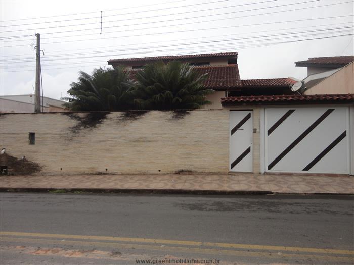 Casas em Registro no bairro Jardim Valeri