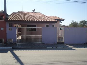 Casas no bairro Vila Budista na cidade de Registro