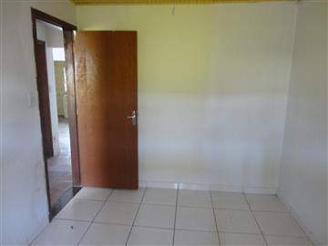 Casa em Registro Vila Ribeirópolis  R$        180.000,00