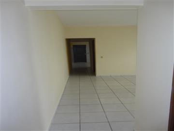 Casa em Registro Jardim Valeri  R$        700,00