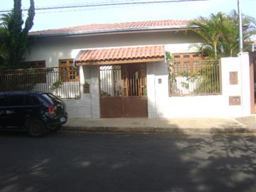 Casas no bairro Jardim Europa I na cidade de Avare
