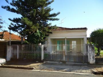 Casas no bairro Vila José Bonifácio na cidade de Araraquara