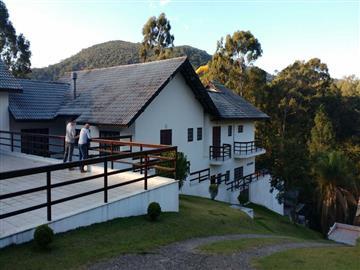 Casas em Condomínio no bairro Clube da Montanha na cidade de Atibaia