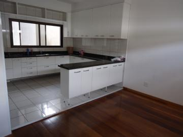 Casas  Suzano R$2.200,00