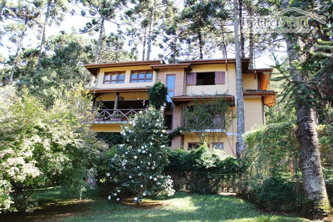 Casas Alto Padrão em Monte Verde no bairro Parque das Araucárias