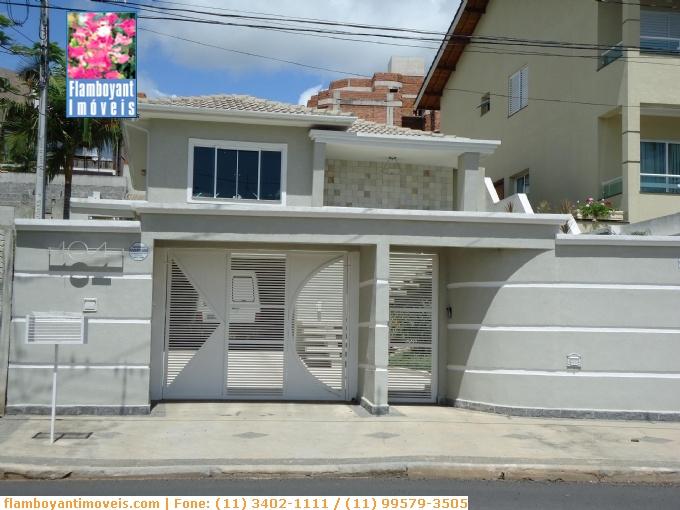 Sobrados em Atibaia no bairro Jardim Tapajós