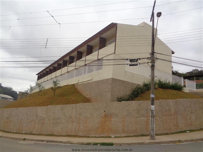 Sobrados em Franco da Rocha no bairro Parque Santa Delfa