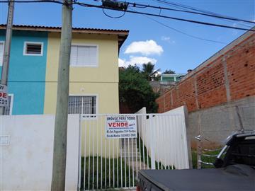 Casas da Caixa Econômica Federal no bairro Jardim Vassouras I na cidade de Francisco Morato