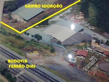 Galpões no bairro Votorantim na cidade de Mairiporã