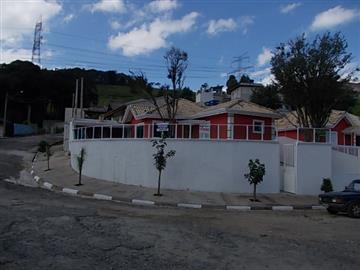 3 Dormitórios / 1 suíte Garagem para 3 carros Churrasqueira