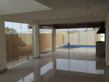 Casas em Condomínio  Taubaté R$780.000,00