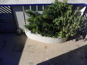 Apartamentos no bairro Campo da Aviação na cidade de Praia Grande