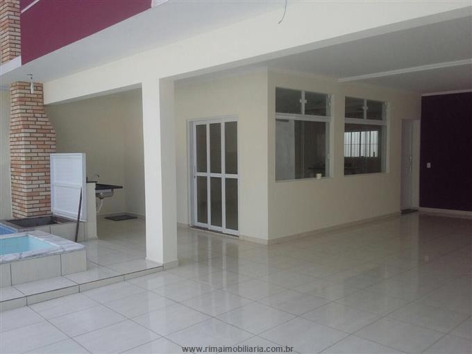 Casa em Peruibe Não Especificado  3 dormitórios R$        660.000,00