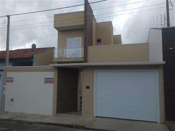 Casas no bairro Jardim Valeri na cidade de Registro