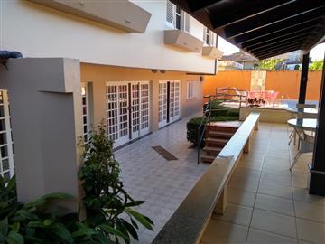 Casa em Registro Vila São Francisco  3 dormitórios R$        1.400.000,00