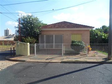 Casas no bairro Vila Xavier na cidade de Araraquara