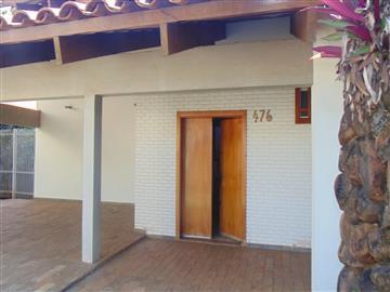 Casas no bairro Vila Harmonia na cidade de Araraquara