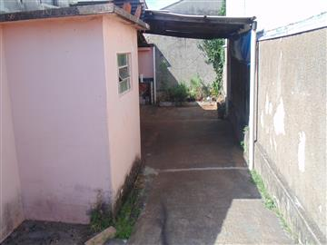 Edículas no bairro Parque Laranjeiras na cidade de Araraquara