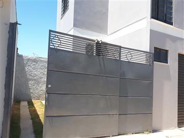 Sobrados Jardim Adalberto Frederico de Oliveira Roxo I e II R$ 800,00